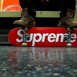 Autocollant 104 Pcs-Supreme pour ordinateur portable Stickers muraux en vinyle autocollant de voiture pour snowboard Moto Vélo DIY fenêtre de voiture Bumper bagages mural Motif graffiti patches de la marque Sanmatic image 3 produit