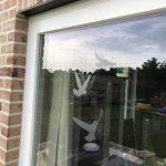 Decooo.be Autocollants Anti-Collision pour Oiseaux - Haute résistance à la Pluie, Gel, UV's (Set de 17 Silhouettes d'oiseaux Sablés-dépolis-translucides) de la marque Decooo-be image 3 produit