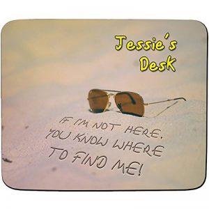 """Sticker s Bureau-""""I"""" m Pas ici, vous connaissez où trouver Me-Plage Nom personnalisable Design-Tapis de souris de haute qualité (épaisseur : 5 mm) de la marque FaceOn-Mouse-Mats image 0 produit"""